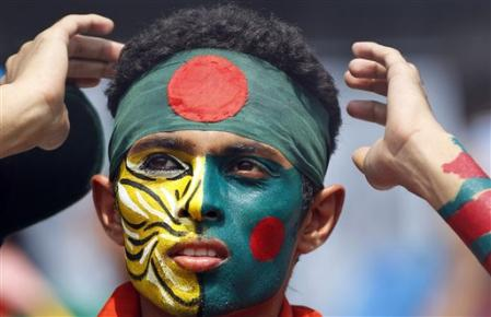 bangladesh-flag-on-face