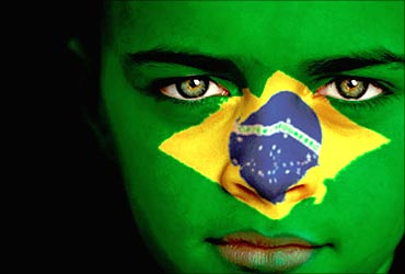 brazil-flag-on-face